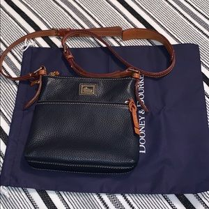 Dooney and Bourke crossover bag